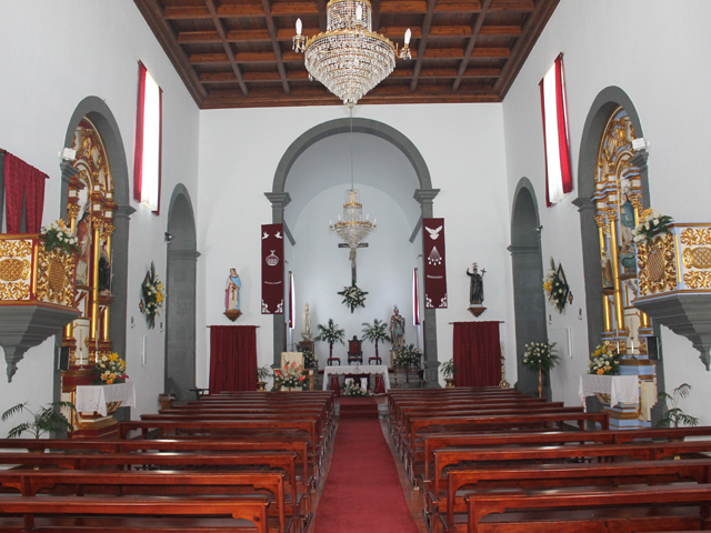 Igreja das Doze Ribeiras